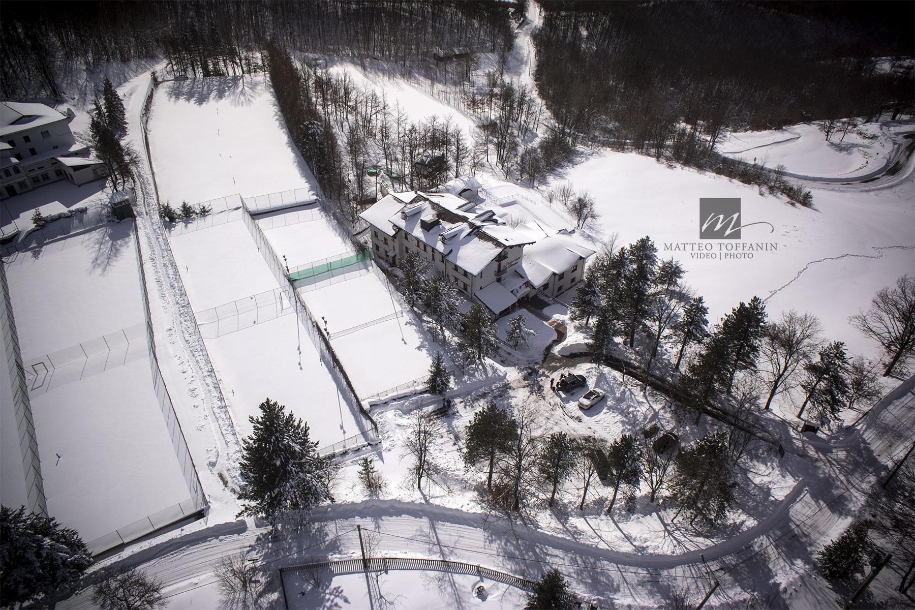Galleria fotografica foto aeree con drone radiocomandato enac for Hotel piacenza milano